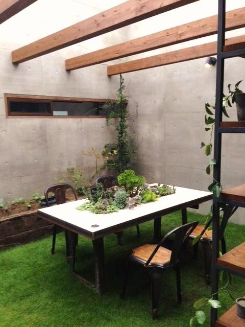 ガーデンテーブル、アンティーク鋳物脚